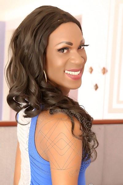 Naomi Savage  RIO DE JANEIRO 0055 219800801
